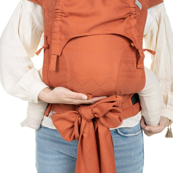 Fidella® FlyClick Plus - Halfbuckle Baby carrier - Cubic Lines - rustred - Toddler