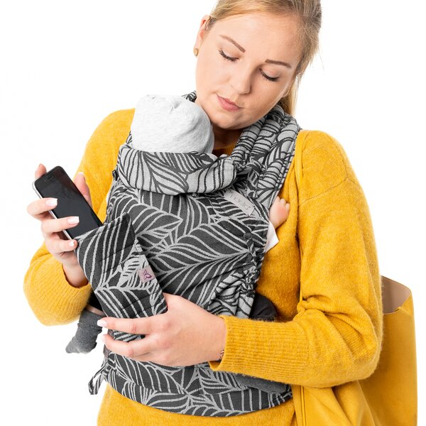 Fidella® Suck Pad for baby carriers - Dancing Leaves - black & white