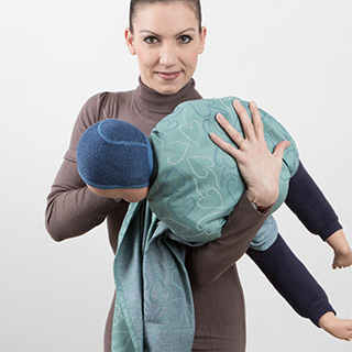 Fidella Giselles back carry - tied_at_shoulder instruction step 3